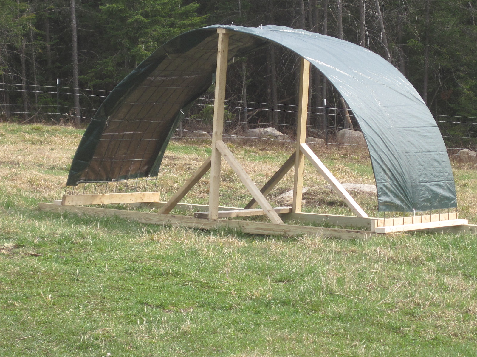 One side of this shelter ... & Building Simple Sheep Shelters | Fairhope Farm